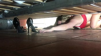 stepmom stuck under the bed gets creampie from stepson - curvy nude models erin electra