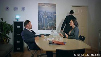 brazzers - mea melone youlizz gives some head to get a head