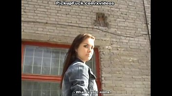 young girl brdteen doing cunnilingus