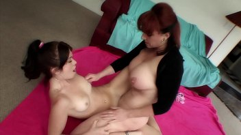 busty milf kylie ireland shows young babe ashlyn alexis dziena nude rae how to finger and lick pussy