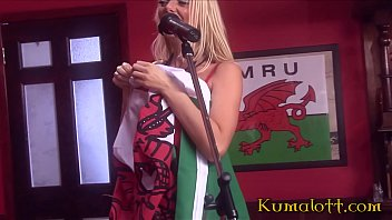 british sexxylexxy1 video guy in an orgy with hot babes at a local pub