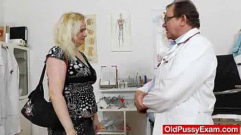 the gynecologist drops into action with pornhub cim elena muff