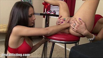 babe begs to fabswingers com have her pussy fisted
