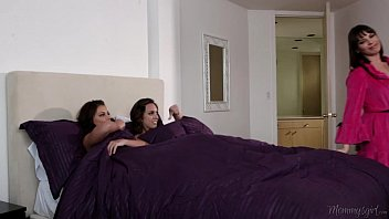 step-sisters adriana chechik and pornhy jade nile licking each other