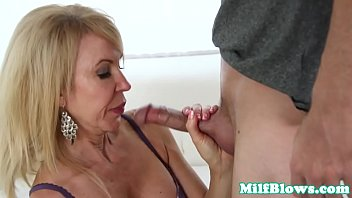 busty mature in lingerie sucking pornoxxx veiny cock