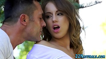 teen xxvbo babe gets fingered