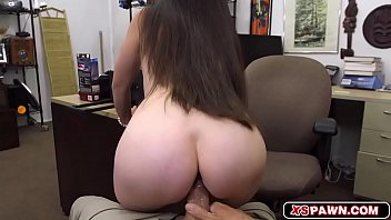 gorgeous chick spread her legs pornici to get fucked