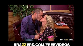 sexy blonde waitress seduces her customer away sunny leone 3gp porn video from his date