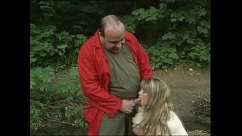 sweet blondie pissing in the woods gives a blowjob free private voyeur to an ugly mug