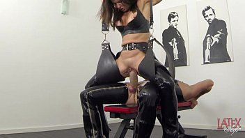 extreme squirting youyiz and pissing in latex