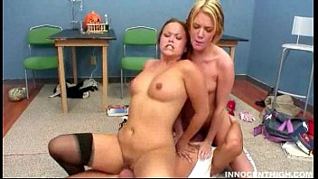 horny peliculas xxc teen having a good threesome with their prof