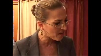 free downloads porn clip sexy milf with glasses