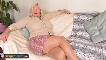 pornhug europemature busty granny lacey has wet cunt