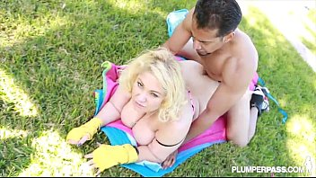 queen bbw samantha 38g knocks out filmizilla boxing teacher with tits