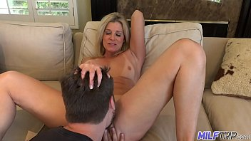 milftrip step mom welcomes step nachbarin nackt son home with wet mouth