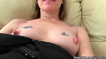 an softcore older woman means fun part 472