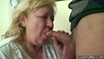 a pleasant surprise for sexysex huge granny