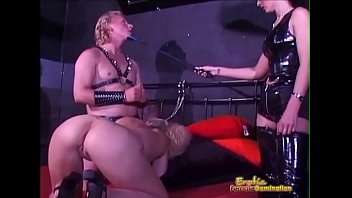 misled slave gets excited during xxviedos training session