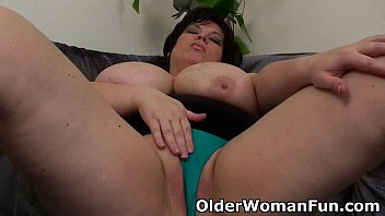 bbw mom having solo sex play online video xxx with a dildo