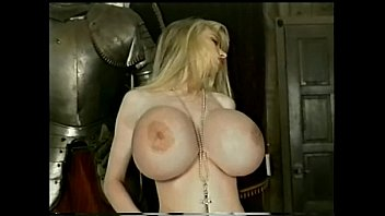 doyki com wendy whoppers hollywood hooters scene 1