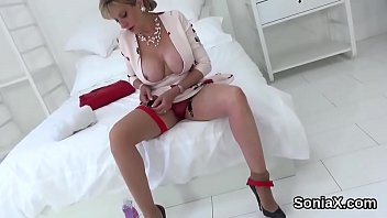 cheating english mature lady sonia xnxxporn reveals her enormous puppies