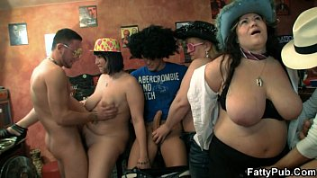 he fingers and chicas calientes gratis fucks her fat pussy