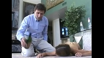 steve holmes found a d. person in his xxdxx home and let her blow his cock - facial