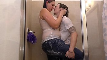 readtube amazon vanessa rain drenched with boy toy