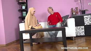 sex with my sister buxom muslim lady knows how tu suck a dick