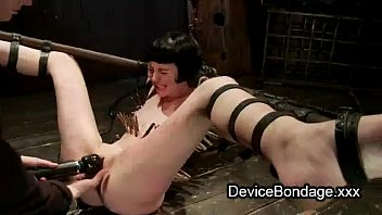 strapped zippered babe xhamster2 pussy finger fucked and vibed