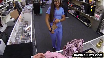 geeky brunette babe trying sxxe to get a deal at the pawn shop