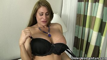 american milf sheila plays with panda adult movie nylon and high heels