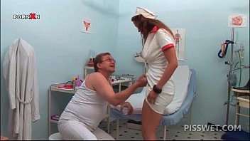 hot gand marna nurse pissing in a glass for gynecologists exam