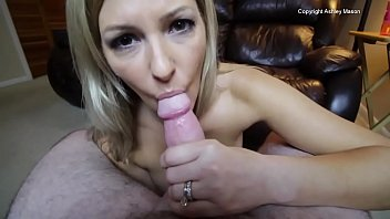 mommy gets yuoporm a creampie