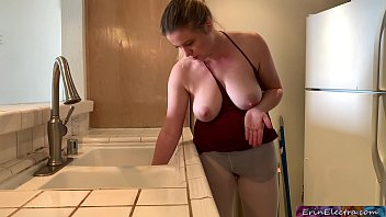 stepmom stuck in the sink gets stepson s dick in her while trying shemale free download to get free - erin electra