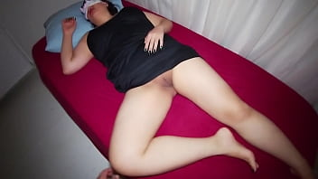 stepson www xnx movies sneaks into her mom hotel room and fucked her.