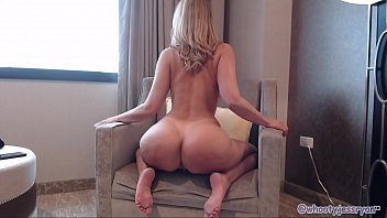 milf shakes and twerks ass strepchat on cam
