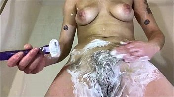 mommy dearest teaches ypoporn son how to shave