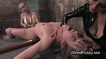 bdsm sunny leone xx brunette babe waxed and t. with electricity in femdom scene
