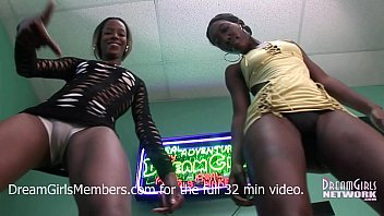 sexy sex fuking naked ass twerking with two freaky black girls